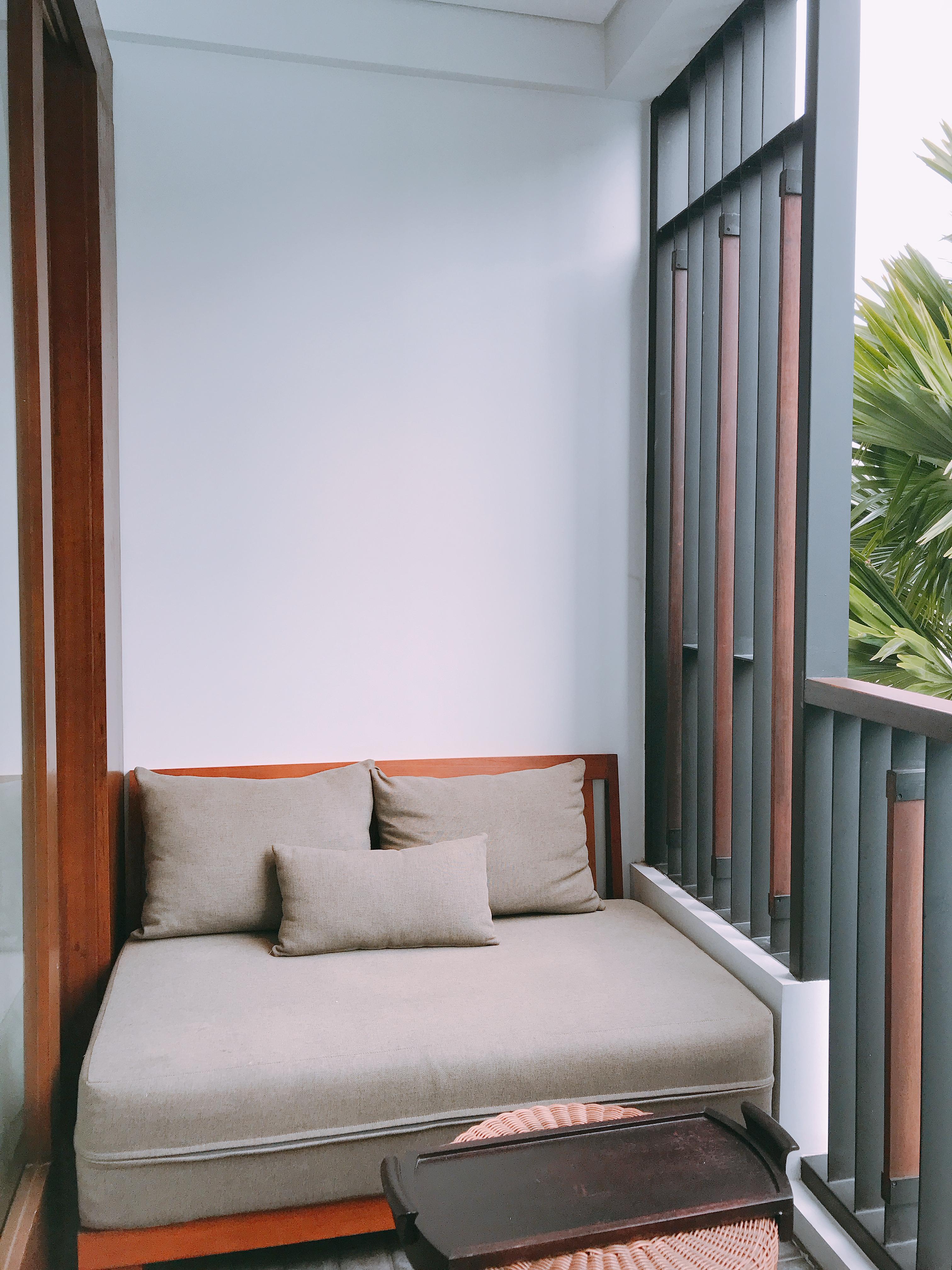 萬怡水明漾套房陽台沙發